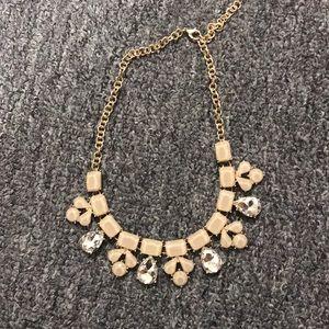 💚 New Listing 💚 Francesca's Fashion Necklace